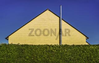 Das Haus hinter der Hecke