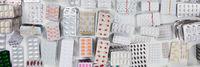 Panorama Header mit Medikamenten und Pillen
