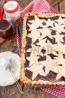 Linzer Torte mit Sternen