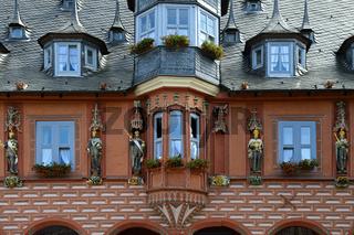 Kaiserfiguren am Gildehaus Kaiserworth