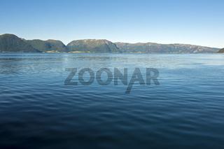 Sognefjord zwischen Lavik und Oppedal