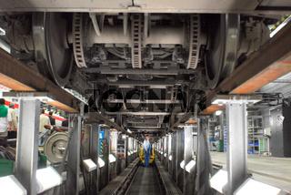 Zug in der ICE-Werkstatt in Leipzig