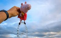 peppa pig visiting tourist attractions in london uk