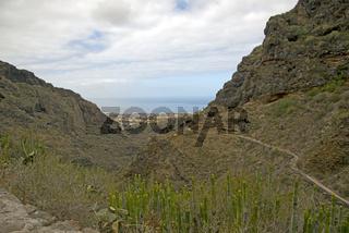 Barranco del Infierno, Höllenschlucht, dahinter Adeje, Teneriffa, Kanarische Inseln, Spanien, Europa