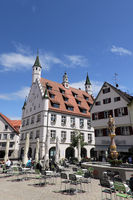 Market fountain with knight figure, behind it the historic town hall in the old town, Biberach