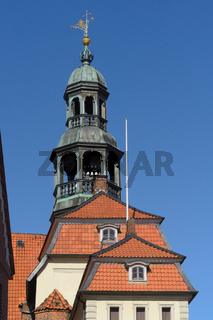 Lüneburg - Barocker Rathausturm mit Glockenspiel, Deutschland