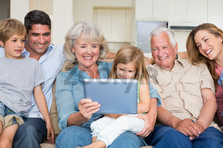 Multigeneration family using digital tablet
