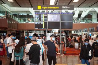 Singapur, Republik Singapur, Passagiere im Check-in-Bereich im Terminal 1 am internationalen Flughafen Changi