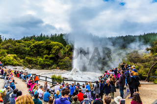 Hundreds of viewers watch  eruption