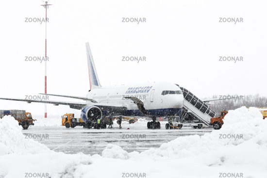 Technical and service support airfield maintenance Boeing-767 at airport Petropavlovsk-Kamchatsky