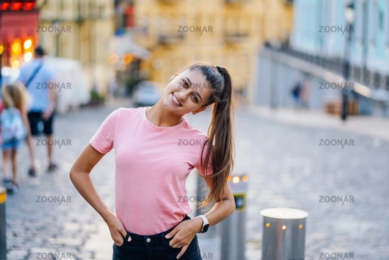 Summer lifestyle fashion portrait of young stylish woman