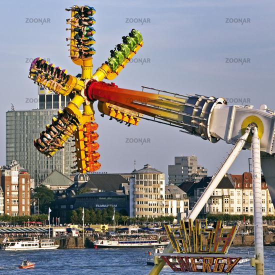 biggest funfair on the river Rhine, Duesseldorf