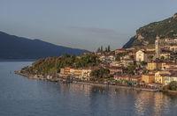 Lemon on Lake Garda im Morgenlicht