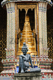 Entrance to Wat Phra Kaew in Bangkok