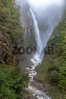 Fragsburger Wasserfall bei Meran, Suedtirol