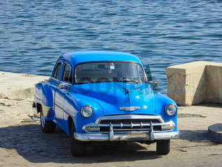 old cars from the fifties in cuba