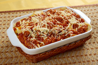 Lasagna with beef .