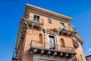 vicenza, italien - 19.03.2019 - alter palazzo mit balkon