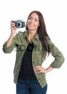 eine frau mit einer alten kamera