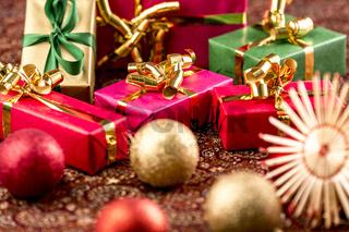 Geschenke, fast so klein wie Christbaumkugeln