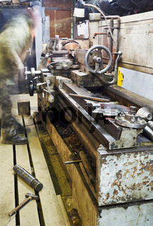 old turning lathe machine