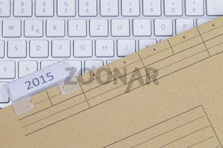 Tastatur und Aktenmappe 2015