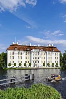 Floss auf der Dahme vor Schloss Koepenick, Berlin