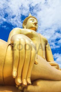 Biggest Buddha Statue at Wat Muang
