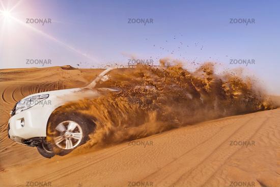 SUV dune bashing