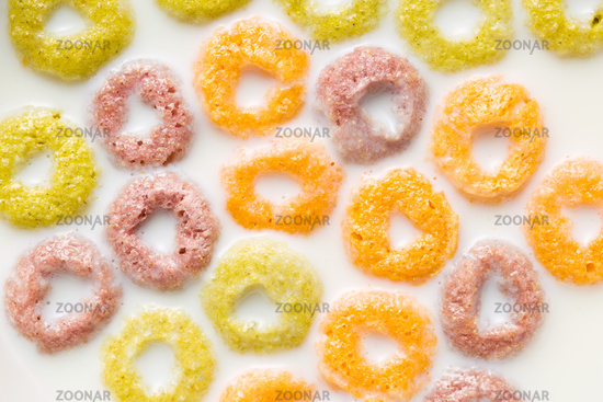 milk with fruity cereal rings