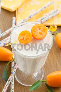 Milchshake mit Kumquats