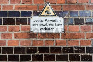 Warnschild in der Speicherstadt, Hamburg