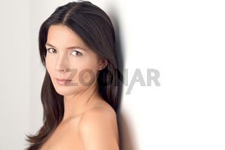 Frau lächelt in die Kamera