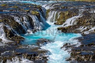 Der schöne Bruarfoss Wasserfall in Island
