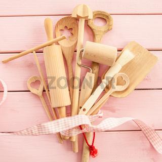 Kochuntensilien aus Holz