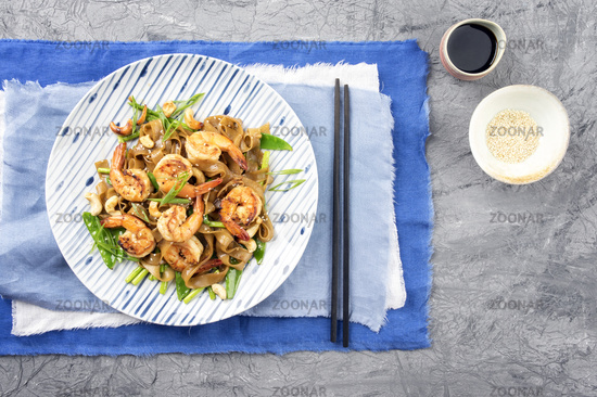 Kingprawn with Rice Noodles and Vegetable on Plate