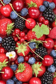 Beeren Früchte Hintergrund mit Erdbeeren, Blaubeeren und Kirschen
