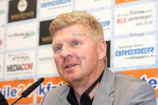 Pressekonferenz in Paderborn am 14.10.2015 des SC Paderborn mit Stefan Effenberg als Trainer