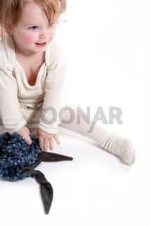 Kleinkind im Strampelanzug