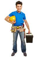 Handwerker mit Helm und Werkzeugkoffer