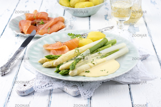 Asparagus with Salmon and Potatoes