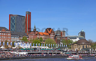 Impressionen der Einlaufparade vom 827. Hamburger Hafengeburtstag 2016; Impressions of the 827th Birthday of the Port of Hamburg 2016, Germany