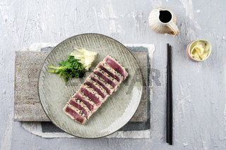 Tuna Tataki with Wakame and Ginger