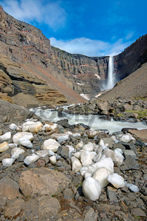 Der Hengifoss Wasserfall in Island