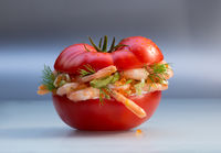 Tomate filled whit shrimps