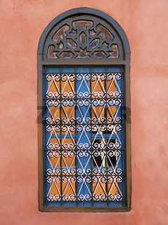 Vergittertes Fenster in Marokko