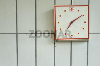 Uhr in einer Werkstatt