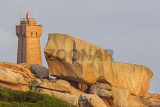 Leuchtturm von Men Ruz, Ploumanach, Côte de Granit Rose, Côtes d'Armor, Bretagne, Frankreich, Europa