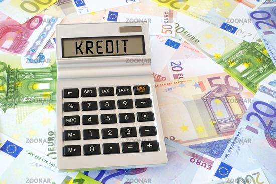 Das Wort Kredit auf dem Display eines Taschenrechners