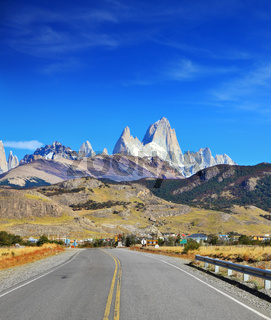 Excellent highway in El Chalten